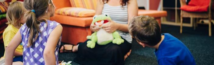 Znáte sociální pracovnice*íky, kteří shánějí práci s dětmi nebo celými rodinami?