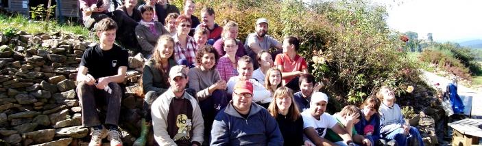 Vedoucí mezinárodní dobrovolnické skupiny na pomoc komunitnímu domu Benediktus