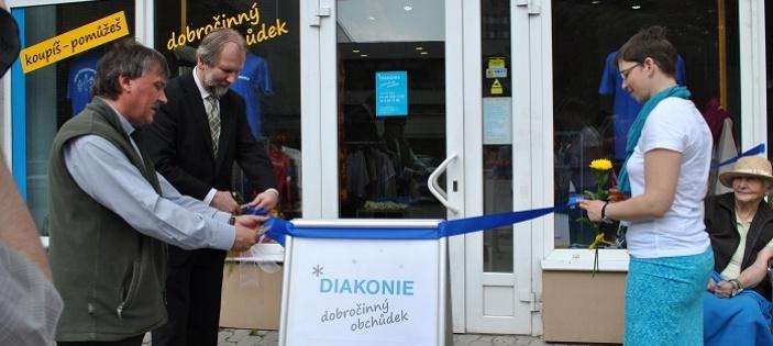 Diakonie otevřela první dobročinný obchůdek ve Vsetíně