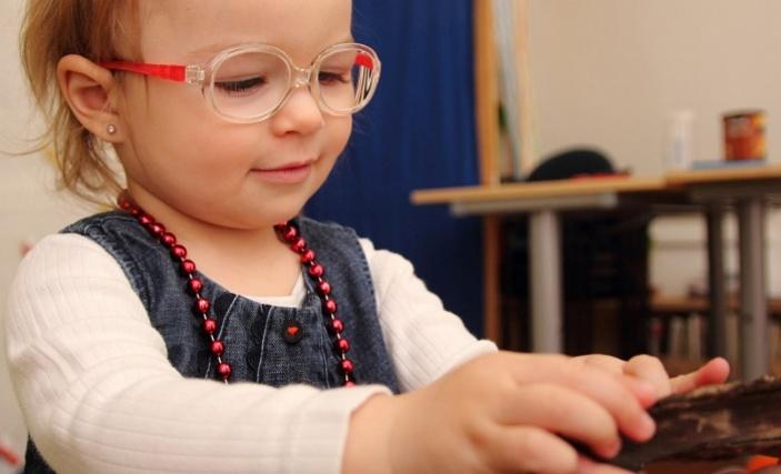 Ke Světovému dni zraku vyšel průzkum s překvapivými výsledky o rané péči a zraku
