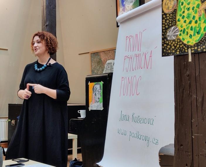 První psychická pomoc POD KROVY Rožnovské knihovny