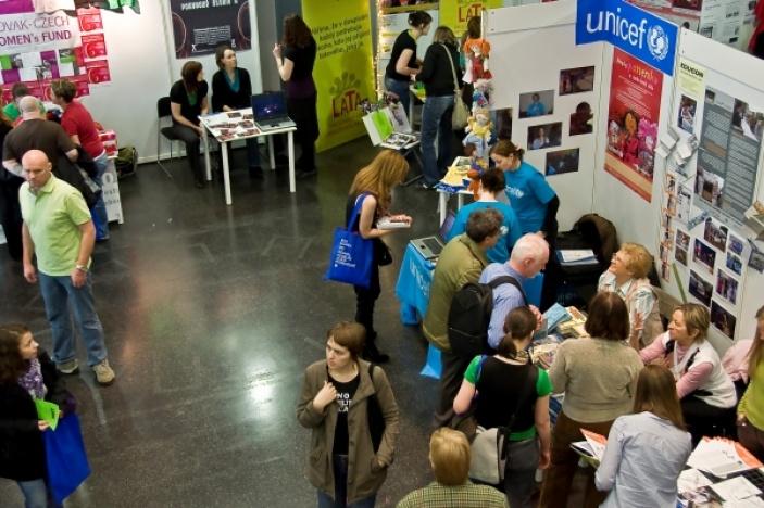 Ohlédnutí za NGO Marketem 2014 - ptali jsme se účastníků