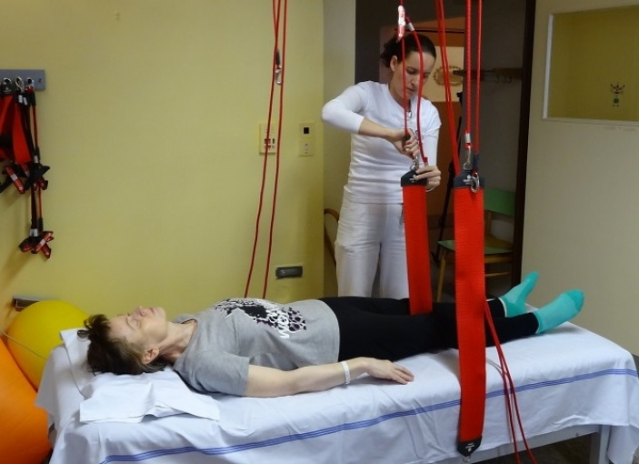 Pacienti s roztroušenou sklerózou dostali nové rehabilitační pomůcky