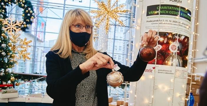 Sbírka vánočních ozdob a dekorací na podporu onkologicky nemocných