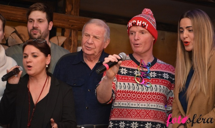 Vánoční benefiční večírek pro Helppes