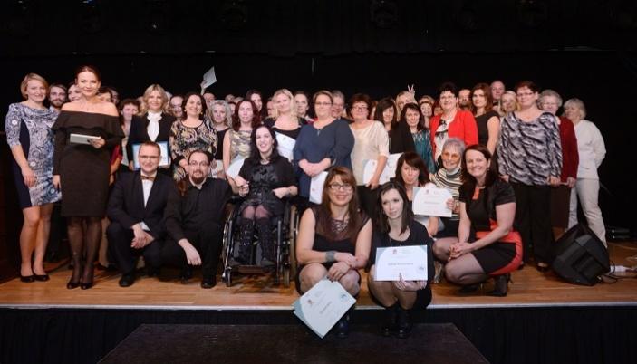 Trio, které pomáhá – nominujte dobrovolníky, neziskovky a firmy